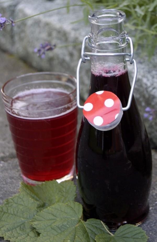 Svart vinbärssaft recept
