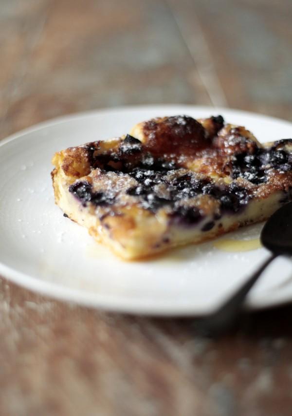 Ugnspannkaka med bacon och blåbär