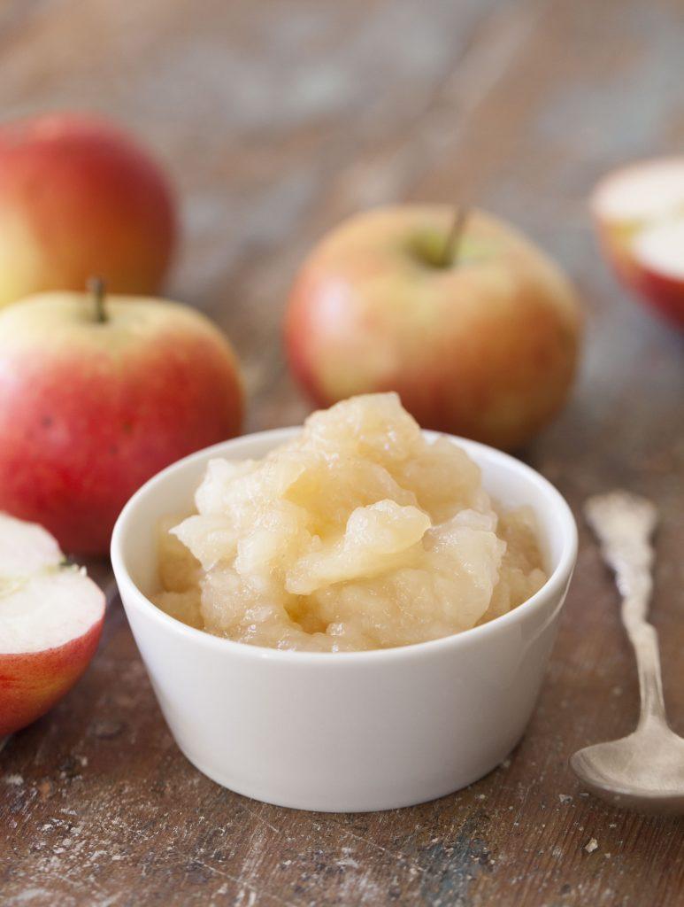 Recept på enkel äppelkompott.