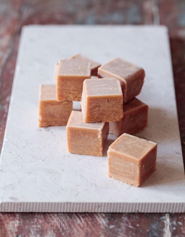 Recept på vit fudge.