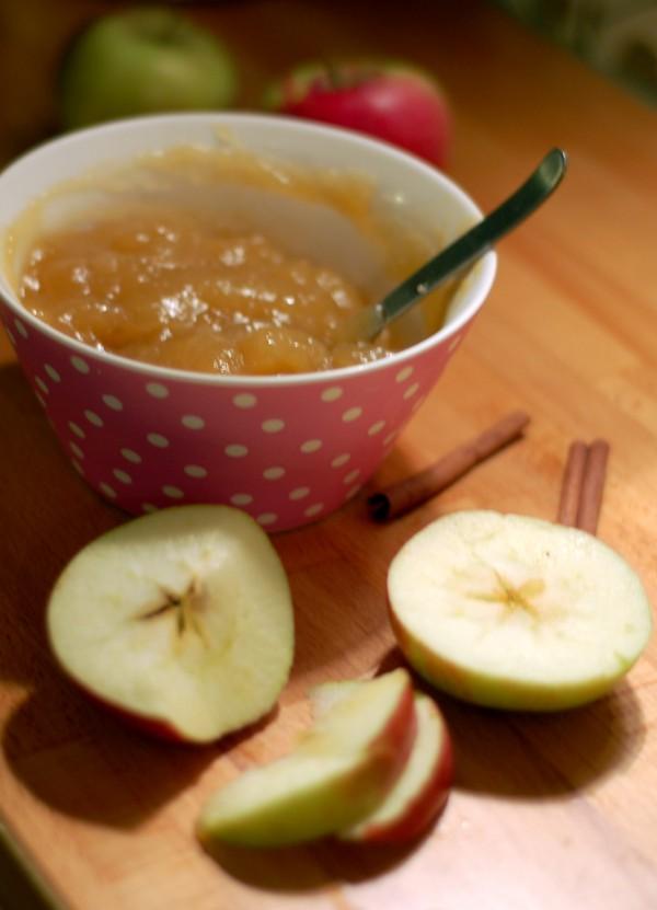 Äppelmos med kryddig smak
