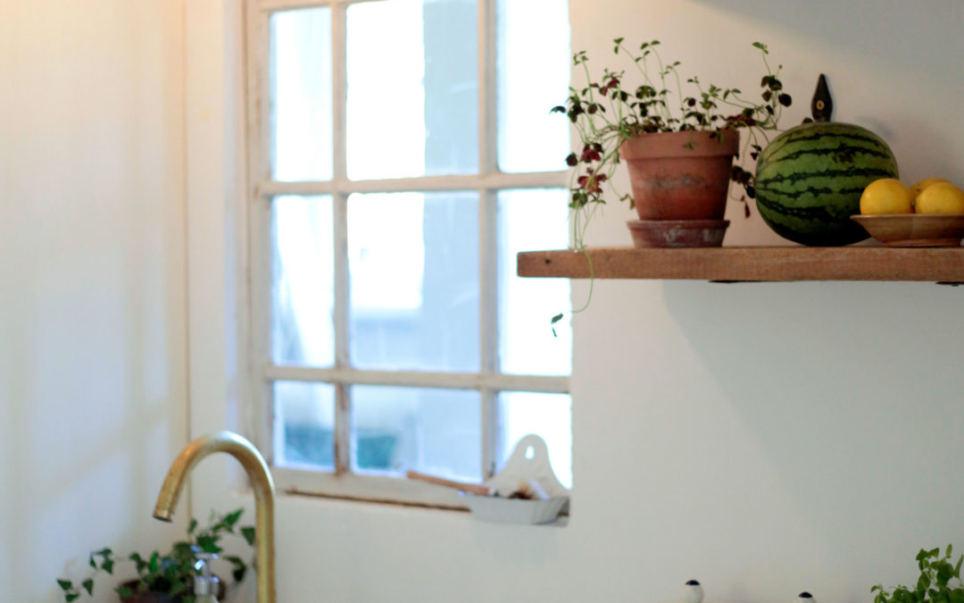 Husmorstips: Så rengör man ett handfat i porslin